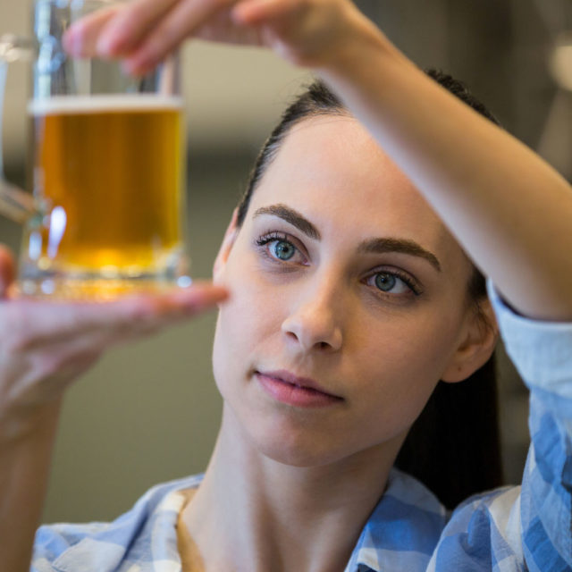 http://www.greenwoodbrews.com/wp-content/uploads/2018/01/brewing-beer-640x640.jpg